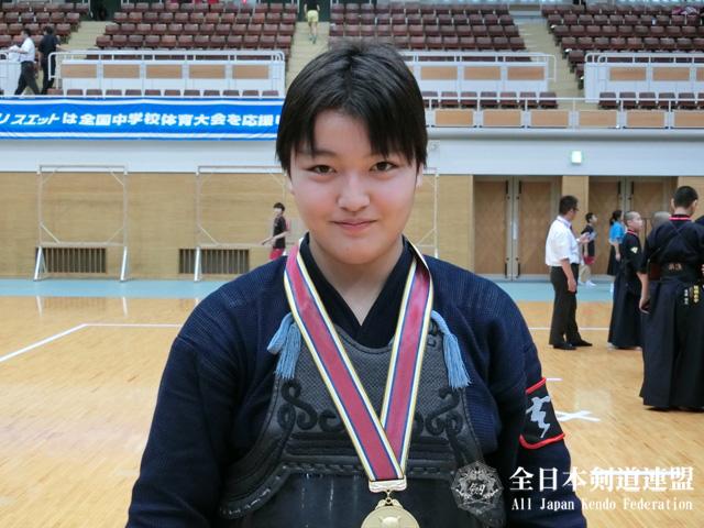 女子個人優勝:妹尾舞香(福岡市立玄洋中学校)